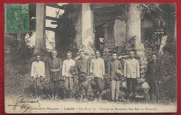 COCHINCHINE - PROTECTORAT DU LAOS -  GROUPE DE MANDARINS POU EUN, AU TRANNINH - Laos