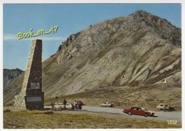 {77940} 05 Hautes Alpes Le Col D' Izoard , Le Sommet Du Col ; Animée , Voitures , Renault 16 , Citroën Ami 6 - Non Classés