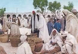 Postcard Tunisie Tunisia Marche Douz My Ref B22304 - Tunisia