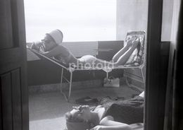60s SUN BATH BIKINI WOMEN FEMMES PORTUGAL 60/90mm AMATEUR NEGATIVE NOT PHOTO NEGATIVO NO FOTO - Photography