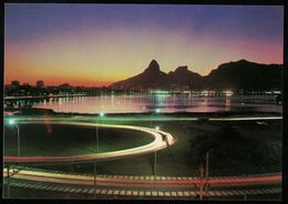 Brésil CP Rio De Janeiro Vue Nocturne Sur Le Lagon Rodrigo De Freitas - Rio De Janeiro