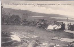 MADAGASCAR--IMERIMADROSO--catéchistes Missionnaires De Marie-immaculée-un Coin Des Ruines Après Le Cyclône--voir 2 Scans - Madagascar
