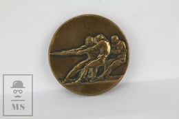 Old 1929 Tug Of War Sports Bronze Medal - Stettin Poland - Tokens & Medals