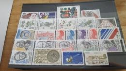 LOT 387328 TIMBRE DE FRANCE NEUF** LUXE FACIALE 10 EUROS  BLOC - France