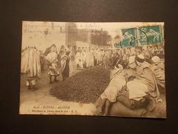 Carte Postale - ALGERIE - Marchand De Dattes Dans Le Sud (2037) - Professioni