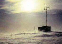 "1 AK Antarctica Antarktis * West Tower Of The German ""Neumayer"" Wintering Station * - Postcards"