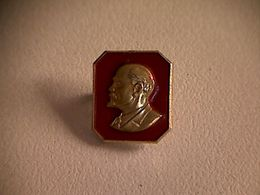 Epinglette Lénine En Plaqué Or - Other Collections