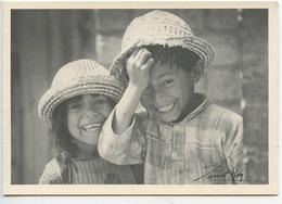 Afrique - Madagascar - Visages - Pierrot Men Fianarantsoa Photographe (portrait Enfant) Cp Vierge - Madagascar