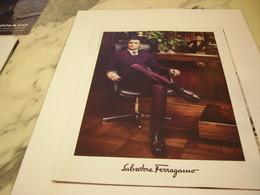 PUBLICITE AFFICHE VETEMENT SALVADOR FERRAGAMO - Vintage Clothes & Linen
