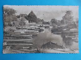 33 : LANTON : PORT De TAUSSAT , Carte Photo , C.P.A , Carte En Bon état, Animée - Autres Communes