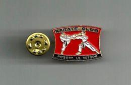 NOGENT LE ROTROU PINS DU KARATE CLUB - Badges