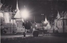 CAMBODGE---RARE---PHNOM-PENH---le Palais Royal Illuminée-( Souvenir D'indochine )-voir 2 Scans - Cambodge