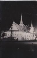 CAMBODGE---RARE---PHNOM-PENH--palais Du Trône Illuminé--( Souvenir D'indochine )-voir 2 Scans - Cambodge