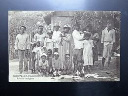 C.P.A. Nouvelle Calédonie Famille Indigène - New Caledonia