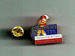 MONTREUIL SOUS BOIS CYCLO CROSS 1993 PINS ATTENTION REFLET AVEC SCAN PINS EN TRES BON ETAT - Badges