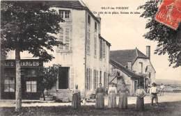 21 - COTE D OR / Gilly Les Vougeot - 214579 - Un Coin De La Place - Bureau De Tabac - Altri Comuni