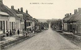 CPA - MOREUIL (80) - Aspect De La Rue De Compiègne En 1915 - Moreuil
