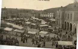 76 DUCLAIR - Place Du Marché - Très Animée - Duclair
