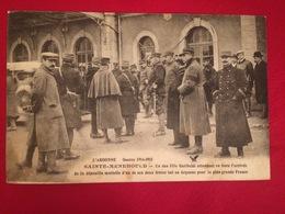 Sainte Menehould - Un Des Fils Garibaldi Attendant En Gare L'arrivée De La Dépouille Mortelle D'un De Ses Deux Frères - Sainte-Menehould