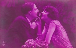 Pink Tinted Postcard, Couple In Love, Les Amoureux (pk43478) - Noces
