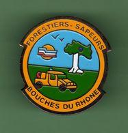 SAPEURS POMPIERS *** FORESTIERS SAPEUR BOUCHES DU RHONE *** A052 - Bomberos