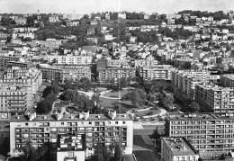 76 - LE HAVRE Square St Roch ( HLM Cité Immeubles Résidence ) Jolie CPSM Dentelée Noir Blanc GF - Seine Maritime - Non Classificati