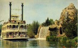 Disneyland - California - The Mark Twain Steamboat Passes Cascade Peak - Formato Piccolo Non Viaggiata – At - Disneyland