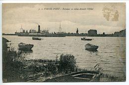 VIEUX PORT  Bateaux En Seine Devant L'Hôtel ( Navire Vapeur Barques ) Ecrite En 1920 - France