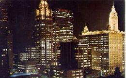 Chicago Ellinois - Night View Looking West Showing Shereton Hotel - Formato Piccolo Viaggiata Mancante Di Affrancatura – - Cartoline