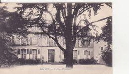 CPA - ROANNE - La Sous Préfecture - Roanne