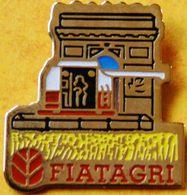 AA..305 ).....TRACTEUR/ MACHINE AGRICOLE / .............FIATAGRI - Badges