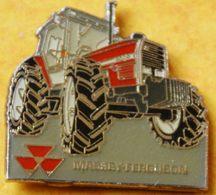 AA..306 ).....TRACTEUR/ MACHINE AGRICOLE / .............MASSEY  FERGUSSON...............3000 - Badges