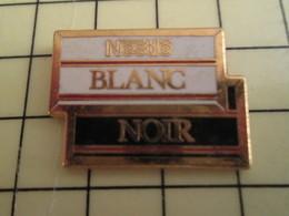 Pin812g Pin's Pins / Rare Et De Belle Qualité !!! ALIMENTATION : NESTLE CHOCOLAT BLANC CHOCOLAT NOIR Par DRAGO NOISIEL - Food