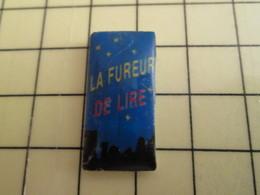 Pin812g Pin's Pins / Rare Et De Belle Qualité !!! AUTRES : L FUREUR DE LIRE CIEL ETOILE - Badges