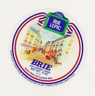 ETIQUETTE (T)  DE BRIE  RUE LEPIC FAB. PAR BUQUET CHAMBOIS 61 Q - Cheese