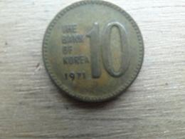Koree Du Sud  10 Won  1971  Km 6 - Korea, South
