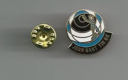 DUNKERQUE JEAN BART TIR DK PINS ATTENTION REFLET AVEC SCAN PINS EN TRES BON ETAT - Badges