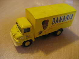 THAMES TRADER Van Truck BANANIA Chocolate Aprox. 10,5x3,5 Cm Vintage Miniature Auto CORGI Good Condition - Jouets Anciens