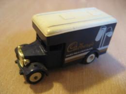 Van Truck CADBURY'S Dairy Milk Chocolate Aprox. 8x3 Cm LLEDO Days Gone Vintage Miniature Auto Good Condition - Toy Memorabilia