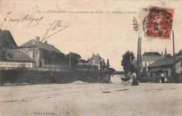76 - FERRIERES EN BRAY - Le Passage à Niveau - France