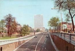 CPM - BRUXELLES - Bd Du Jardin Botanique Et P.S. Building - Lanen, Boulevards