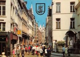 CPM - BRUXELLES - Rue De L'Etuve Avec Manneken-Pis - Lanen, Boulevards