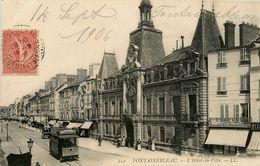 FONTAINEBLEAU - L'HOTEL DE VILLE - RUE - TRAMWAY - ANIMATION - Fontainebleau