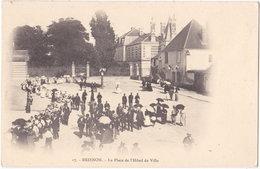 89. BRIENON. La Place De L'Hôtel De Ville. 17 - Brienon Sur Armancon
