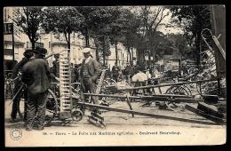 CPA ANCIENNE FRANCE- TOURS (37)-  LA FOIRE AUX MACHINES AGRICOLES- BD.HEURTELOUP- TRES BELLE ANIMATION GROS PLAN- - Tours