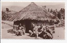 PHOTO KENYA Case Indigene - Kenya