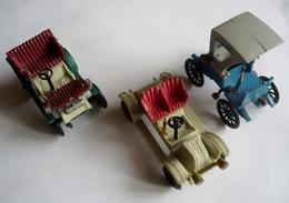 LOT DE 3 Autos TACOTS Plastique - Publicité HUILOR - Carros
