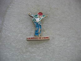 """Pin's Du Club De Pétanque """"La Boule De L'EURE"""" - Bowls - Pétanque"""