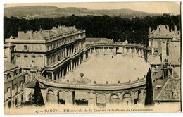 CPA 54 Meurthe Et Moselle Nancy L'Hémicycle De La Carrière Et Le Palais Du Gouvernement - Nancy