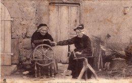 B49264 Fileuses Bourbonnaises, Une Bonne Prise - France